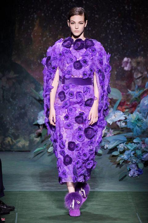 Fashion show, Runway, Style, Fashion model, Purple, Fashion, Lavender, Violet, Haute couture, Model,