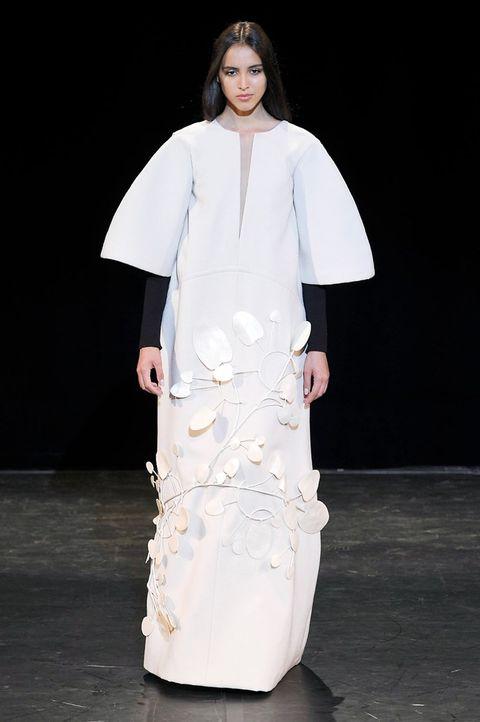 Fashion model, Fashion, Fashion show, White, Clothing, Runway, Haute couture, Dress, Fashion design, Public event,