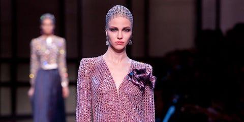Fashion show, Style, Fashion model, Fashion, Runway, Model, Street fashion, Eyelash, Fashion design, Haute couture,