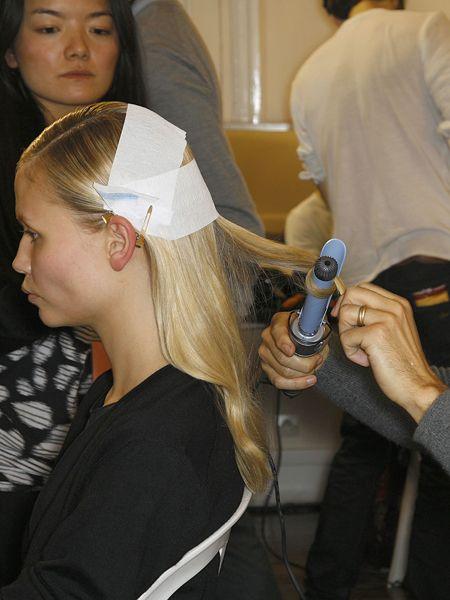 Hair, Hairstyle, Beauty salon, Eyelash, Hair accessory, Long hair, Personal grooming, Service, Hairdresser, Hair care,