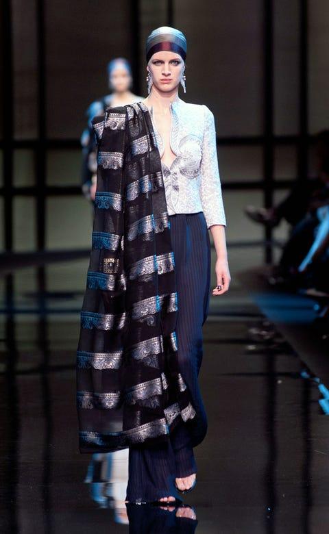 Fashion show, Outerwear, Runway, Style, Winter, Street fashion, Fashion model, Electric blue, Pattern, Fashion,