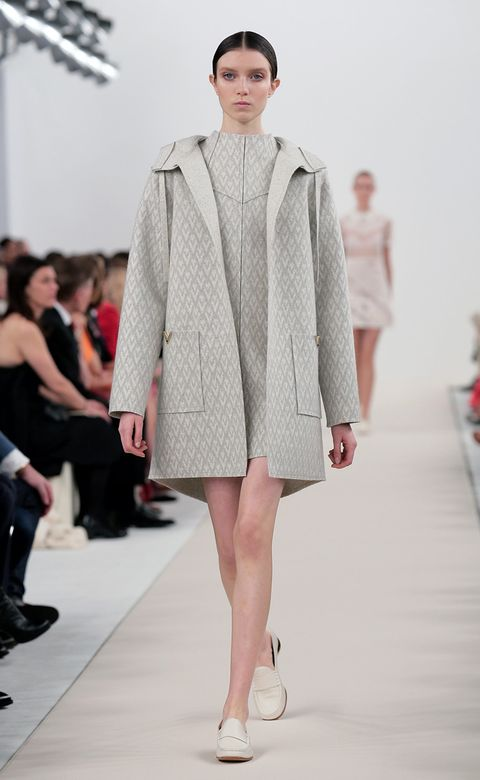 Clothing, Footwear, Leg, Fashion show, Sleeve, Event, Shoulder, Runway, Joint, Outerwear,