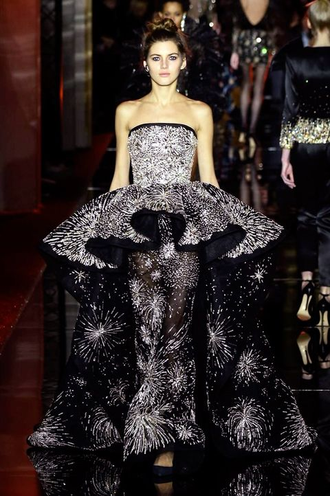 Clothing, Shoulder, Fashion show, Dress, Fashion model, Style, Waist, Strapless dress, Runway, Gown,
