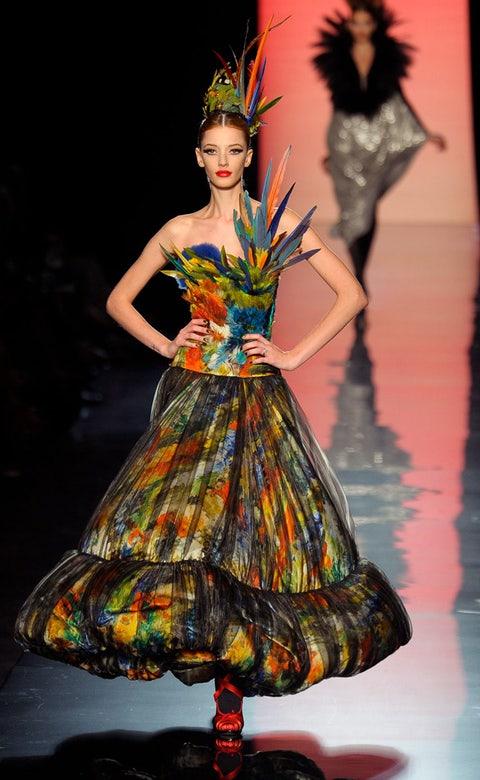 Style, Costume design, Dress, Fashion model, Fashion, Youth, Art, Model, Costume accessory, Headpiece,
