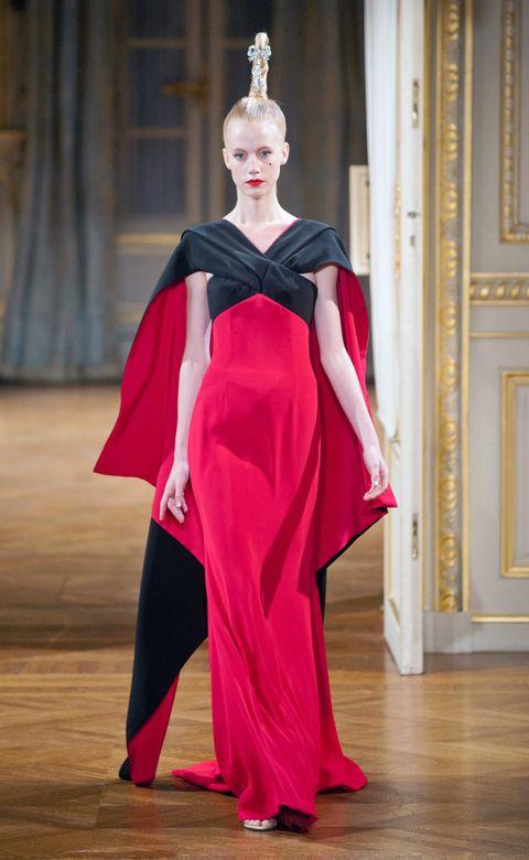 Style, Flooring, Floor, Lipstick, Gown, Fashion, Costume design, Hardwood, Wood flooring, Fashion model,