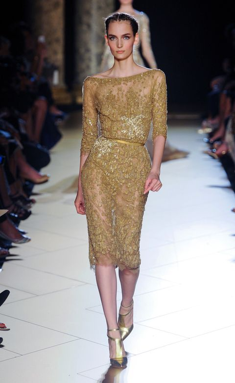 Clothing, Fashion show, Hairstyle, Runway, Shoulder, Joint, Fashion model, Style, Waist, Fashion,