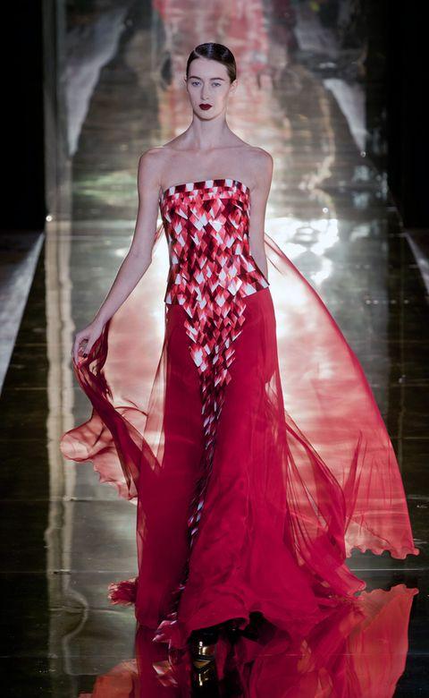 Fashion show, Red, Dress, Style, Formal wear, Fashion model, One-piece garment, Gown, Fashion, Model,