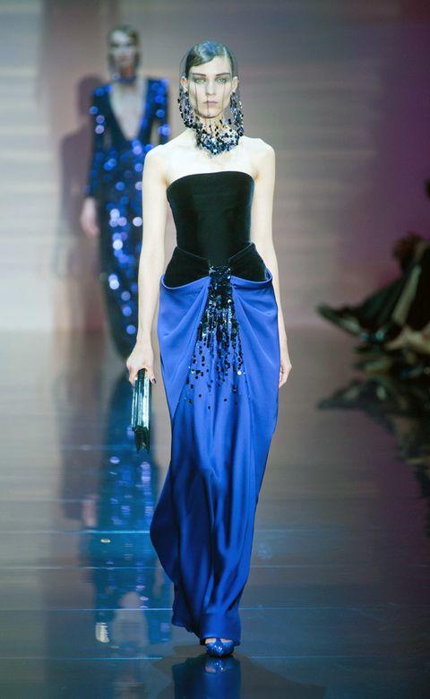 Blue, Shoulder, Joint, Fashion show, Waist, Style, Electric blue, Fashion model, Cobalt blue, Fashion,