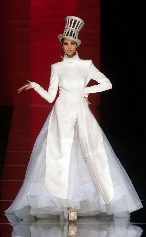 Formal wear, Dress, Gown, Costume design, Costume accessory, Fashion, Fashion model, Headpiece, Haute couture, Crown,