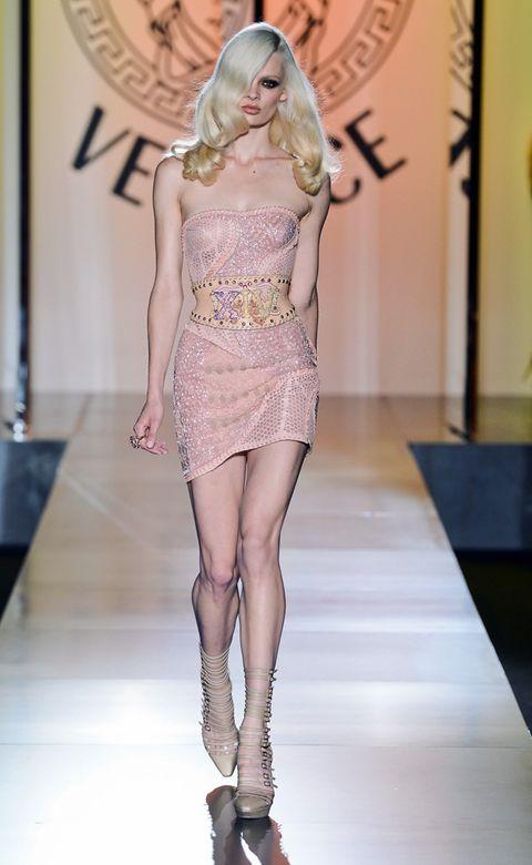 Leg, Human leg, Fashion show, Runway, Fashion model, Waist, Fashion, Thigh, Model, Fashion design,