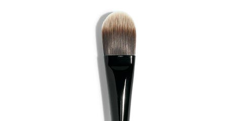 Brush, Musical instrument accessory, Beige, Makeup brushes, Stationery, Office supplies, Cosmetics, Eye shadow, Writing implement, Cleanliness,