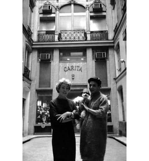 Photograph, Monochrome, Style, Town, Interaction, Monochrome photography, Black-and-white, Photography, Street fashion, Snapshot,