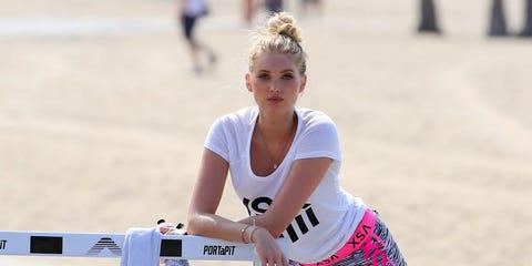 Waist, Active shorts, Playing sports, Athlete, Thigh, Individual sports, Running, Competition, Hurdle, Calf,
