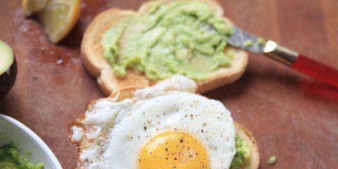 Food, Fried egg, Egg yolk, Meal, Egg white, Ingredient, Breakfast, Dish, Tableware, Egg,