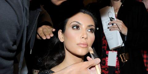 Finger, Hand, Wrist, Eyelash, Nail, Fashion accessory, Jewellery, Eye liner, Cosmetics, Eye shadow,