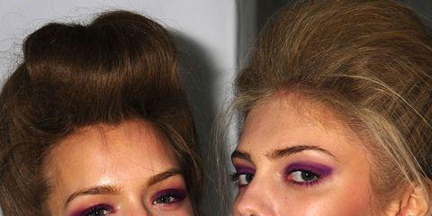 Finger, Lip, Hairstyle, Skin, Eyelash, Eyebrow, Eye shadow, Nail, Style, Organ,