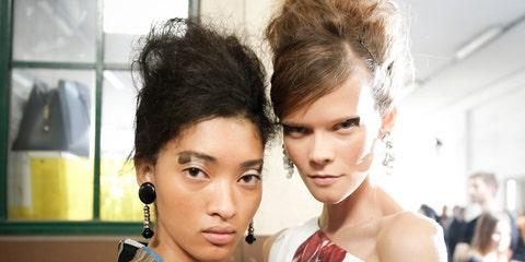 Hair, Face, Hairstyle, Eyebrow, Fashion, Beauty, Lip, Black hair, Eye, Blond,