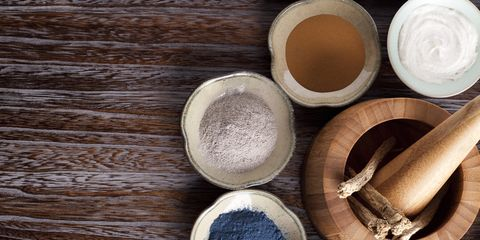 Wood, Ingredient, Hardwood, Powder, Smoking accessory, Spice, Serveware, Chemical compound, Wood stain, Adhesive,