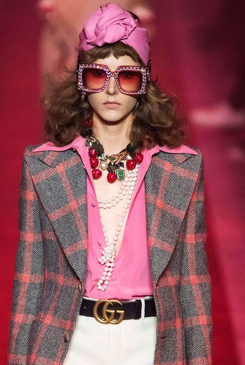 Eyewear, Fashion, Runway, Pink, Fashion model, Glasses, Fashion show, Beauty, Magenta, Fashion design,