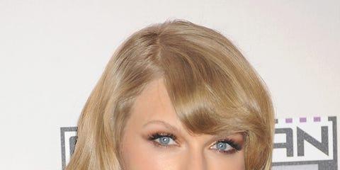 Clothing, Lip, Mouth, Hairstyle, Chin, Shoulder, Eyebrow, Eyelash, Style, Jaw,