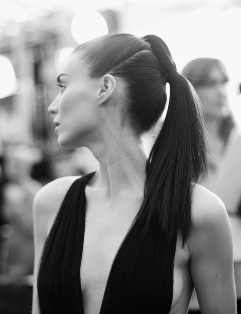 Ear, Hairstyle, Shoulder, Style, Sleeveless shirt, Beauty, Neck, Black, Youth, Black hair,