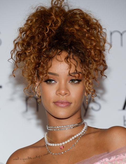 Lip, Hairstyle, Skin, Chin, Jheri curl, Eyebrow, Ringlet, Fashion accessory, Style, Beauty,