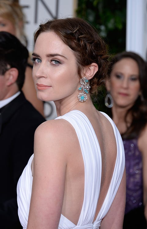Hair, Shoulder, Hairstyle, Clothing, Beauty, Dress, Eyebrow, Neck, Fashion, Chin,