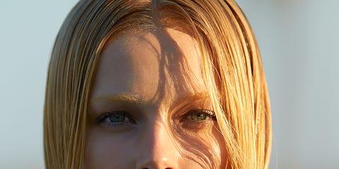 Lip, Hairstyle, Chin, Forehead, Eyebrow, Jaw, Eyelash, Photography, Step cutting, Portrait photography,