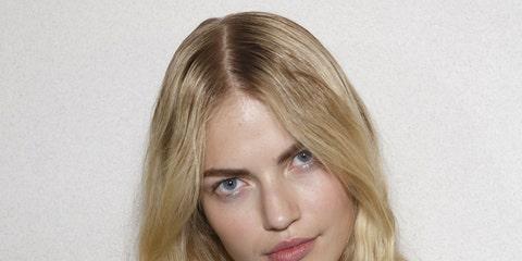 Lip, Hairstyle, Sleeve, Shoulder, Joint, Eyelash, Neck, Long hair, Blond, Teal,