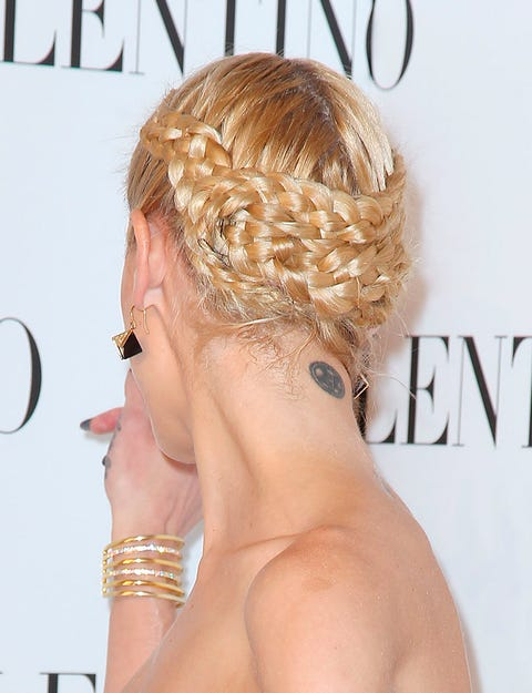 Ear, Hairstyle, Skin, Earrings, Hair accessory, Style, Eyelash, Fashion accessory, Blond, Neck,