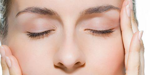 Finger, Lip, Brown, Skin, Chin, Forehead, Eyelash, Eyebrow, Eye shadow, Nail,