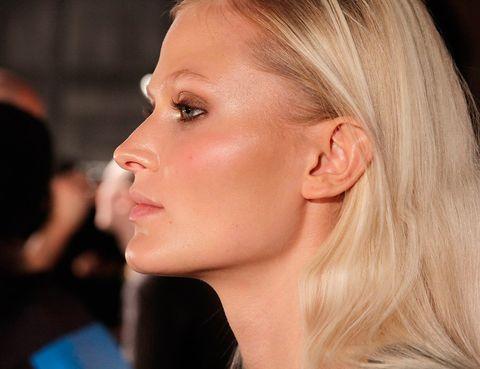 Ear, Lip, Cheek, Hairstyle, Skin, Chin, Forehead, Eyebrow, Eyelash, Jaw,