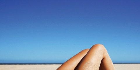 Toe, Human leg, Joint, Summer, Sun tanning, Organ, Undergarment, Foot, Beauty, Carmine,
