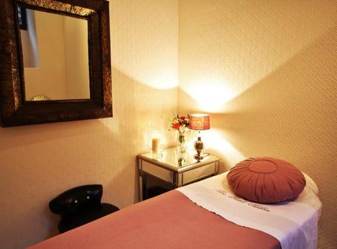 Lighting, Bed, Room, Interior design, Textile, Bedding, Wall, Linens, Lamp, Bedroom,