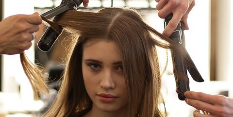 Finger, Hairstyle, Hand, Wrist, Beauty salon, Hairdresser, Long hair, Step cutting, Hair coloring, Thumb,