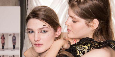 Manual De Uso De Los Tatuajes Faciales