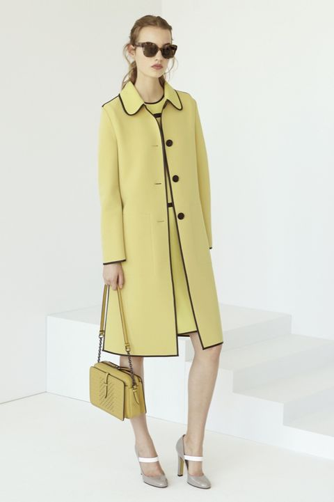 Clothing, Coat, Sleeve, Collar, Shoulder, Sunglasses, Textile, Joint, Outerwear, Bag,