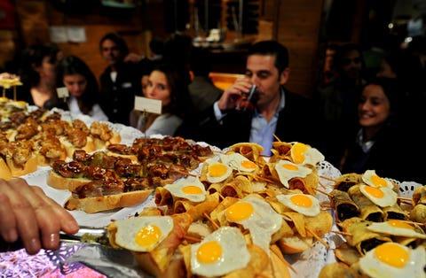 Food, Cuisine, Dish, Ingredient, Tableware, Meal, Sharing, Culinary art, Customer, Brunch,