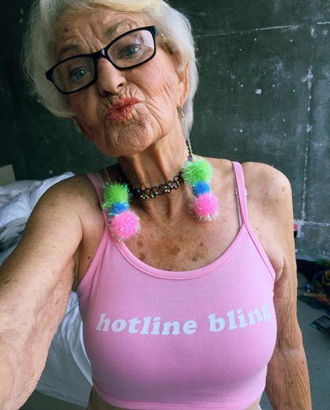 Eyewear, Glasses, Vision care, Shoulder, Joint, Sleeveless shirt, Chest, Undershirt, Jewellery, Active tank,