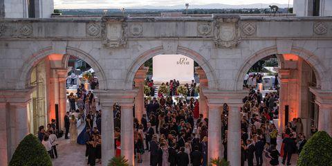 Architecture, Arch, Building, Event, Crowd, Tourist attraction, Tourism, City,