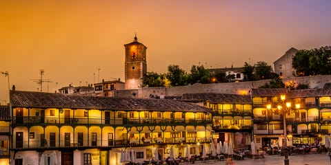 Town, Evening, Dusk, Residential area, Street light, Town square, Mixed-use, Plaza, Suburb, Holy places,