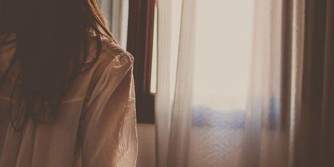 Shoulder, Light, Skin, Sunlight, Room, Morning, Curtain, Bed, Bed sheet, Joint,