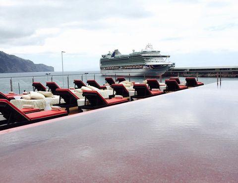 Body of water, Watercraft, Boat, Waterway, Cruise ship, Naval architecture, Ocean liner, Passenger ship, Cruiseferry, Ship,