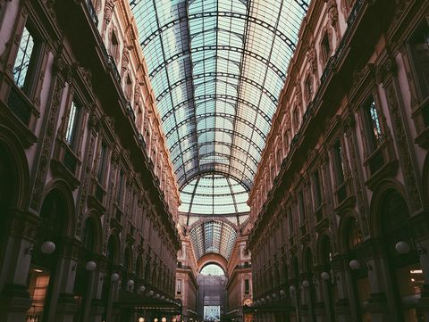 Architecture, Glass, Ceiling, Commercial building, Daylighting, Fixture, Arcade, Symmetry, Iron, Arch,