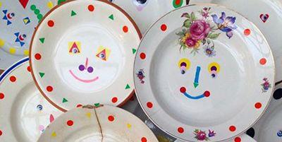 Circle, Dishware, Visual arts, Porcelain, Plastic,