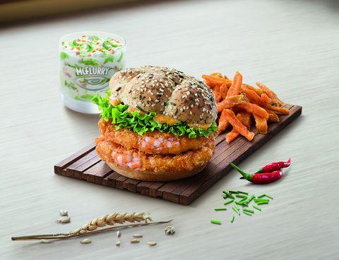 Sandwich, Food, Finger food, Cuisine, Ingredient, Dish, Meal, Vegetable, Fried food, Baked goods,