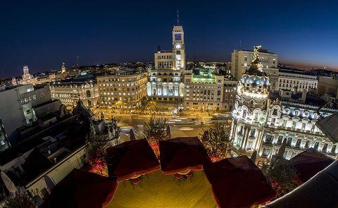 Urban area, City, Landmark, Cityscape, Night, Sky, Architecture, Metropolitan area, Human settlement, Metropolis,