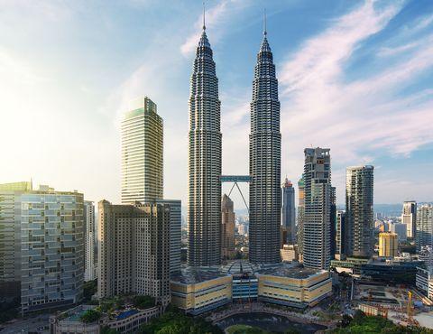 Skyscraper, Metropolitan area, Urban area, City, Tower block, Daytime, Metropolis, Cityscape, Landmark, Tower,