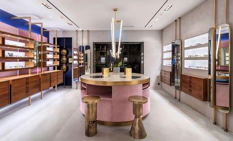 Interior design, Building, Property, Furniture, Room, Shelf, Architecture, Floor, Table, Ceiling,