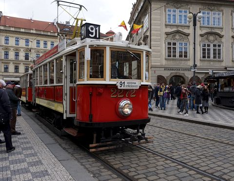 Land vehicle, Vehicle, Transport, Mode of transport, Tram, Cable car, Rolling stock, Town, Public transport, Electricity,